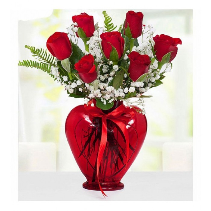 7'li Kırmızı Gül Kırmızı Kalp Vazo